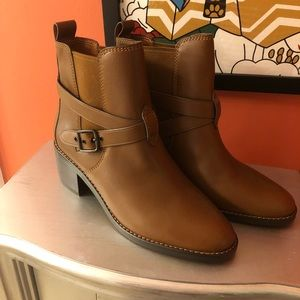 🆕listing. Coach size 10 boots.
